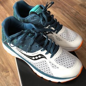 Saucony Shoes - Saucony Wht/Grn/Blk Ride 10 Running Sneakers